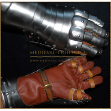 Articulated Finger Gauntlets